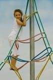 flicka little utomhus- leka Royaltyfri Fotografi
