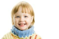 flicka little varm tröja arkivbild