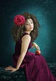 Flicka med äpplet Arkivfoton