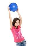 Flicka med bollen Arkivfoto