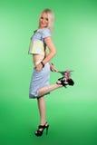 Flicka med buketten Royaltyfria Bilder