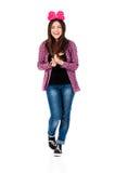 Flicka med den röda pilbågen Royaltyfri Foto