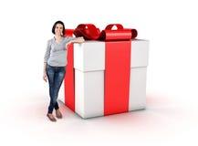 Flicka med en gåva Arkivbild
