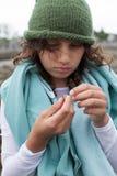 Flicka med en krabba Royaltyfria Foton