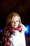 Flicka med en påse Fotografering för Bildbyråer