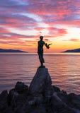 Flicka med en Seagull royaltyfri fotografi