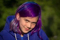 Flicka med extremt hår Arkivbilder