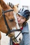 Flicka med hästen Fotografering för Bildbyråer