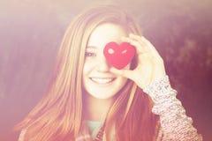 Flicka med hjärta Royaltyfri Fotografi