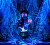 Flicka med kroppkonst Royaltyfria Bilder