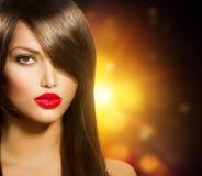 Flicka med långt brunt hår Royaltyfri Fotografi