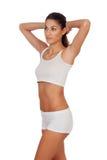 Flicka med långt hår i den vita underkläderna Arkivfoton