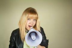Flicka med megafonen Arkivbilder