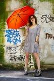 Flicka med paraplyet Royaltyfri Foto