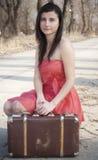 Flicka med resväska Royaltyfria Foton
