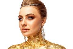 Flicka med smink Flicka med dyra smycken Royaltyfria Bilder