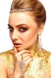 Flicka med smink Flicka med dyra smycken Royaltyfri Fotografi
