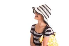 Flicka med sommarhatt, solglasögon och handväska II Fotografering för Bildbyråer