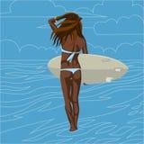 Flicka med surfingbrädan Royaltyfria Foton