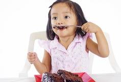 Flicka med tårtan Royaltyfri Bild