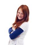 Flicka med vikta armar Royaltyfria Foton