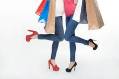 Flicka och shopping Royaltyfri Foto
