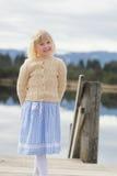 Flicka och traditionell klänning Royaltyfria Bilder