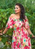 Flicka och vingård Royaltyfri Fotografi