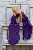 Flicka på balkongen Royaltyfria Foton