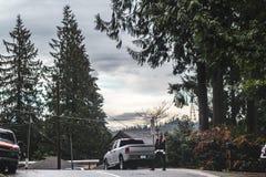 Flicka på den djupa lilla viken i norr Vancouver, F. KR., Kanada Arkivfoto