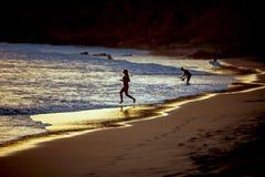 Flicka på en strand Royaltyfria Bilder