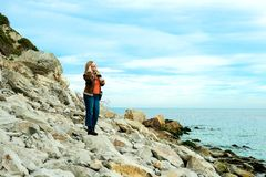 Flicka på havet Fotografering för Bildbyråer