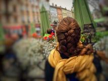 Flicka på Lviv Arkivfoto