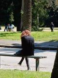 Flicka på parken fotografering för bildbyråer