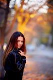 Flicka på solnedgång Royaltyfria Bilder