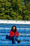 Flicka på stadion Arkivfoto