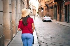 Flicka som besöker Italien Arkivbilder