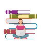Flicka som framme sitter av högen av böcker med bärbara datorn Royaltyfria Bilder