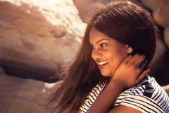 Flicka som ler i natur Fotografering för Bildbyråer