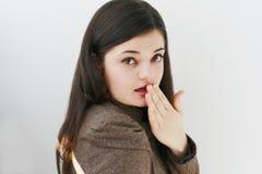 flicka som ser förvånadt tonårs- Arkivbilder