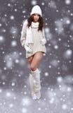 flicka vinter för många snowflakes Royaltyfri Bild