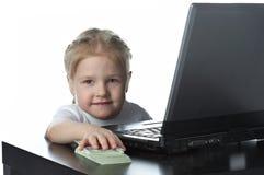 flickabärbar dator little pengar royaltyfri fotografi