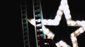 Flickablickar till och med kamerarullfefef lager videofilmer