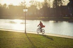Flickadrev på cykeln Arkivbilder