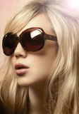 flickafotosolglasögon Arkivbild