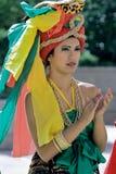 Flickan från Brasilien i en härlig huvudbonad Royaltyfria Foton