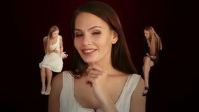 Flickan lyssnar till rådgivning från flickvänner arkivfilmer