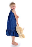 Flickan med en stor nallebjörn Royaltyfri Bild