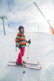 Flickan skidar på. Royaltyfria Foton