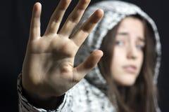Flickan skrämmas Fotografering för Bildbyråer